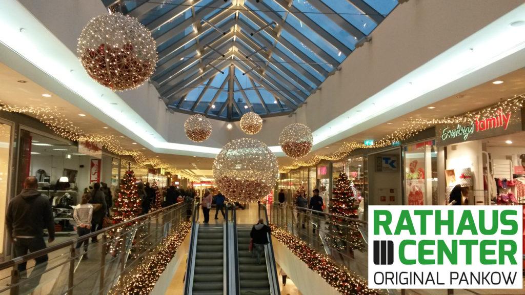 Weihnachtliche Stimmung im Rathaus-Center.