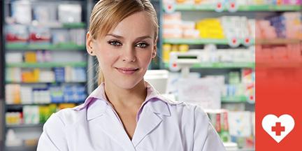 Apothekerin vor Arzneimittelregal