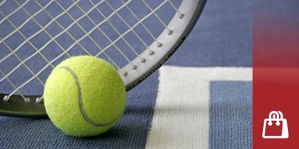 Tennisschläger mit Tennisball